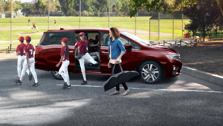 Honda Odyssey with baseball team
